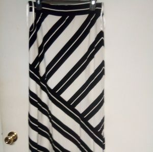 Long skirt white and black stripes size M